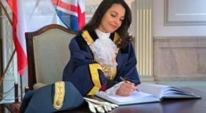 """Kaiane Lopez ishte """"Miss Bota"""" por tashmë kryetare e shtetit evropian me 30 mijë banorë"""