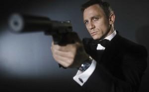 Tom Hiddleston nuk do ta luajë James Bondin